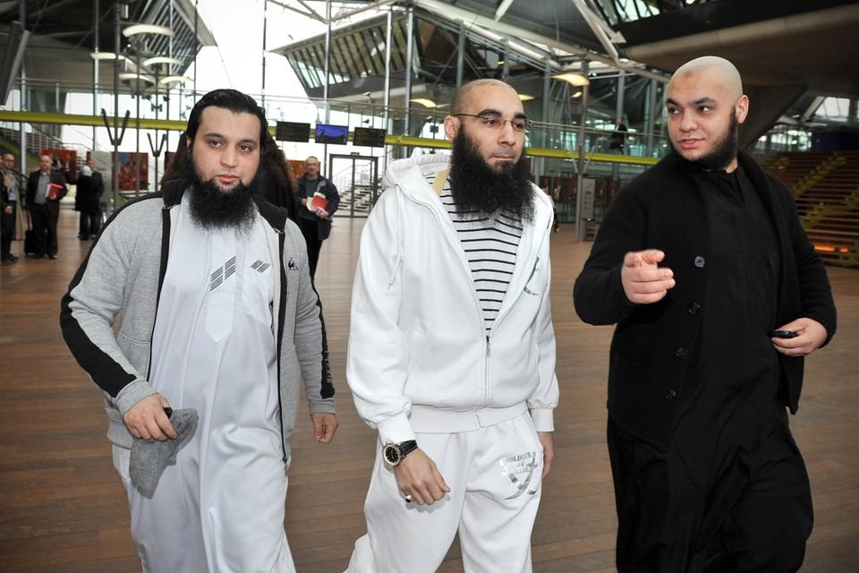 ARCHIEFFOTO. Fouad Belkacem (midden) is de centrale figuur in de zaak.