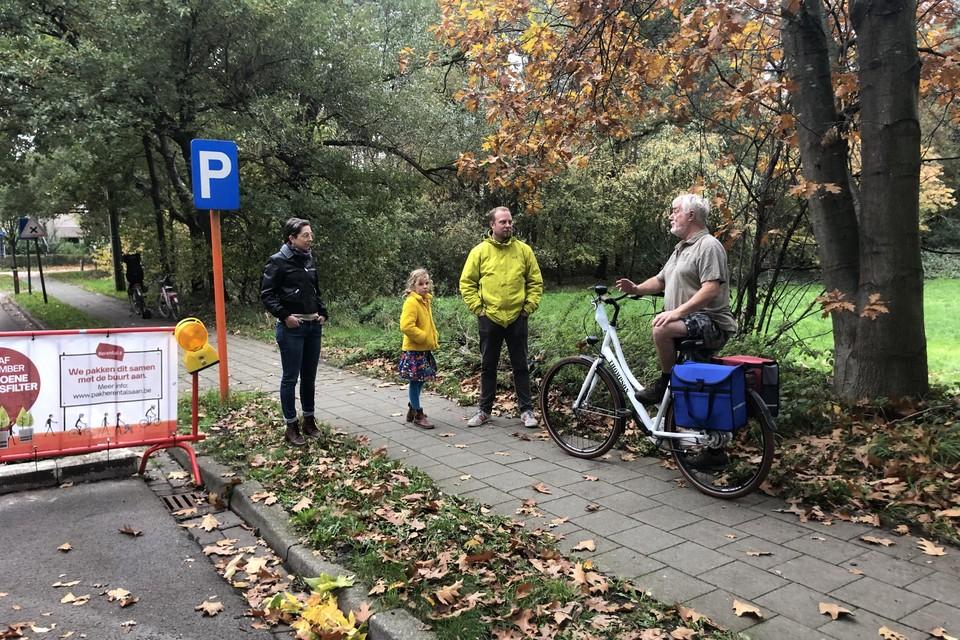 Gemeenteraadslid Peter Verpoorten en buurtbewoner Frans Smits vinden de aanpak van de proefopstelling fout.