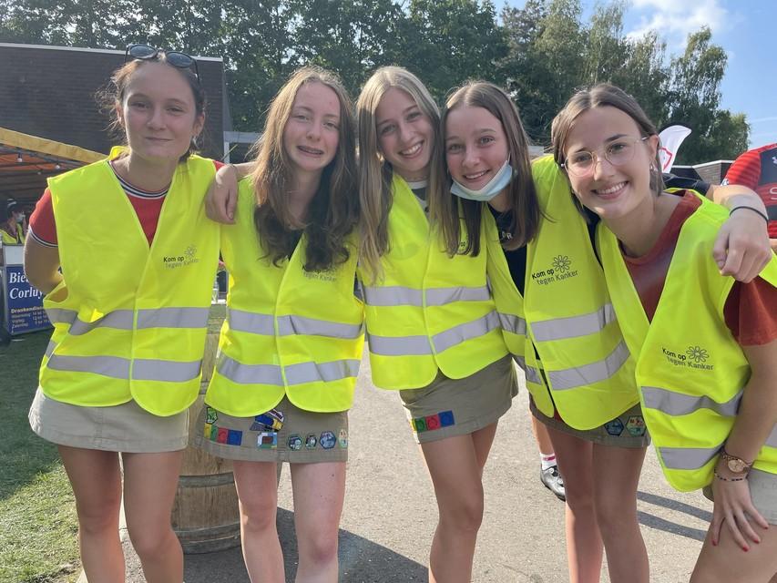 Zowel de meisjes als de jongens van Chiro Heist-centrum hielpen zaterdag mee tijdens Bike Fest Hest.