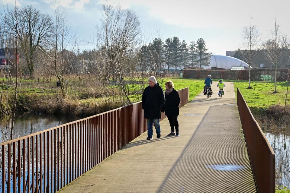 De nieuwe brug in Park Groot Schijn zal hetzelfde uitzicht hebben als de brug hierboven, aan de volkstuintjes in het zuidelijke deel van het park
