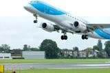 thumbnail: Een B-737 van JetairFly landt op Deurne. Door 40 meter verder te starten zouden de toestellen boven Berchem al een pak hoger zitten en dus minder hinderen. Maar dat vergt 165 hectare natuurcompensaties.