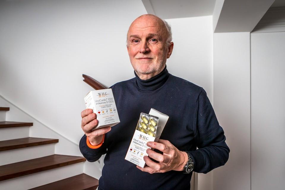 """WHC-oprichter Jo Wyckmans met zijn populaire omega 3-concentraten. """"Onze kwaliteit wordt wereldwijd geapprecieerd, ook al zijn we een van de duurste."""""""