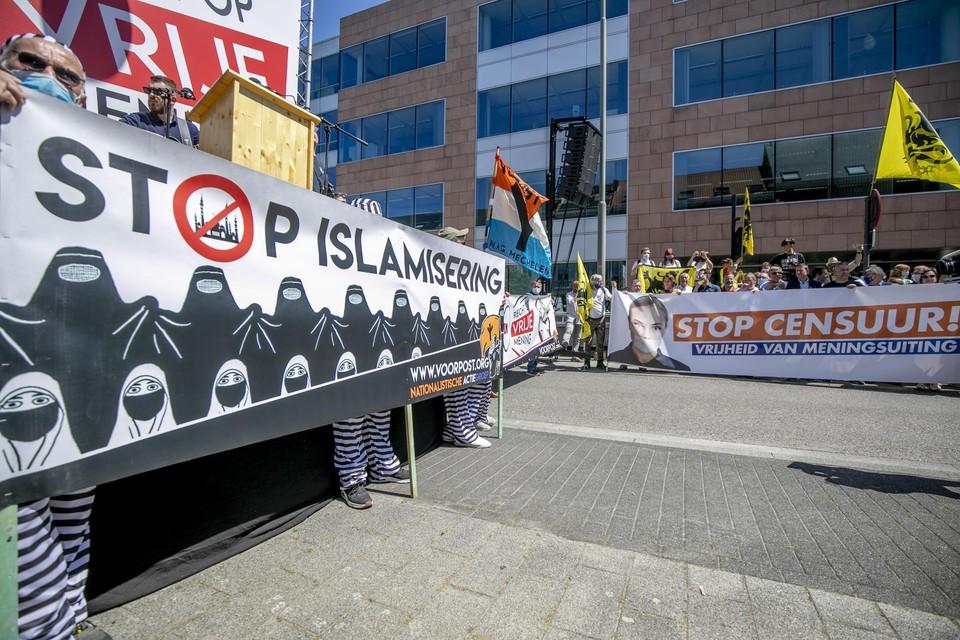 Honderden activisten kwamen zondagnamiddag bij elkaar in het centrum van Mechelen.