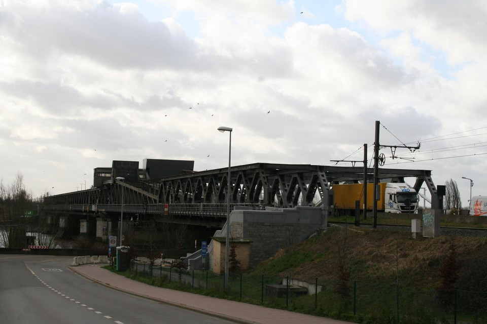 Spoorwegbeheerder Infrabel start volgende week met werken aan de spoorbrug over de Schelde tussen Bornem en Temse.
