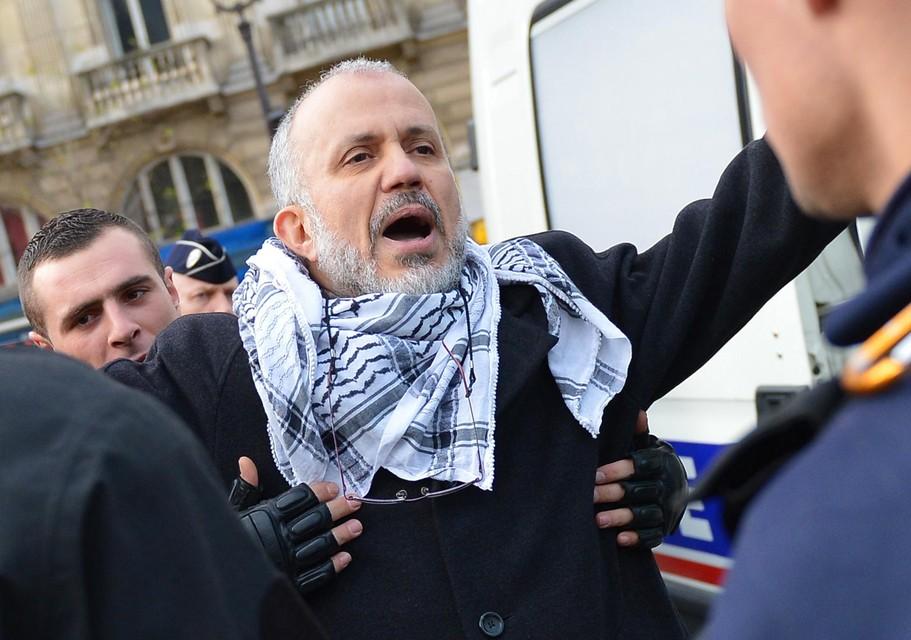 De activist Abdelhakim Sefrioui riep op tot actie tegen Samuel Paty. Hij is opgepakt en zijn rol wordt onderzocht.