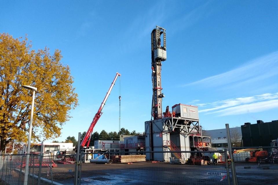 De testboringen naar diepe aardwarmte of geothermie bij Janssen Pharmaceutica in Beerse zijn een groot succes. Het bedrijf wil in het najaar van 2021 alle gebouwen op de site verwarmen en koelen.