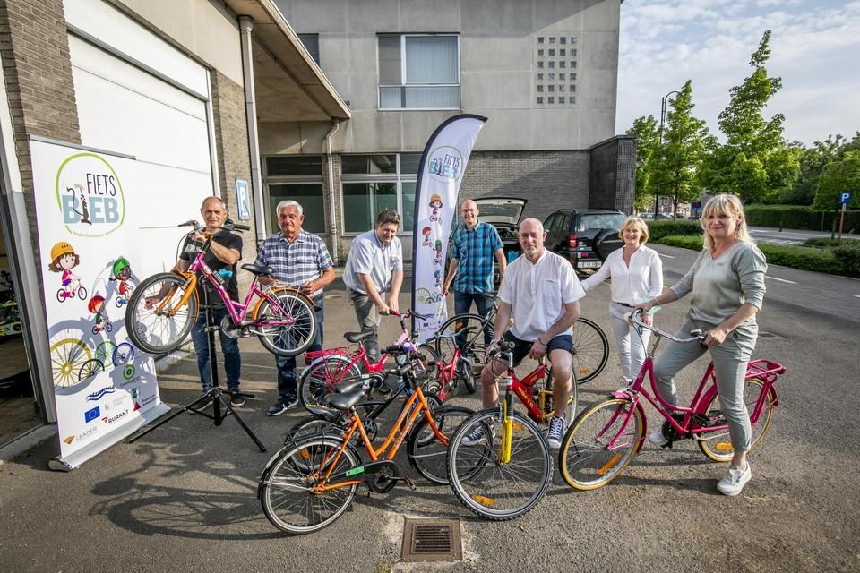 Leden van de Fietsbieb kunnen voor hun kind (tot 12 jaar) een jaar lang een fiets lenen. Tweedehands, maar tiptop in orde.