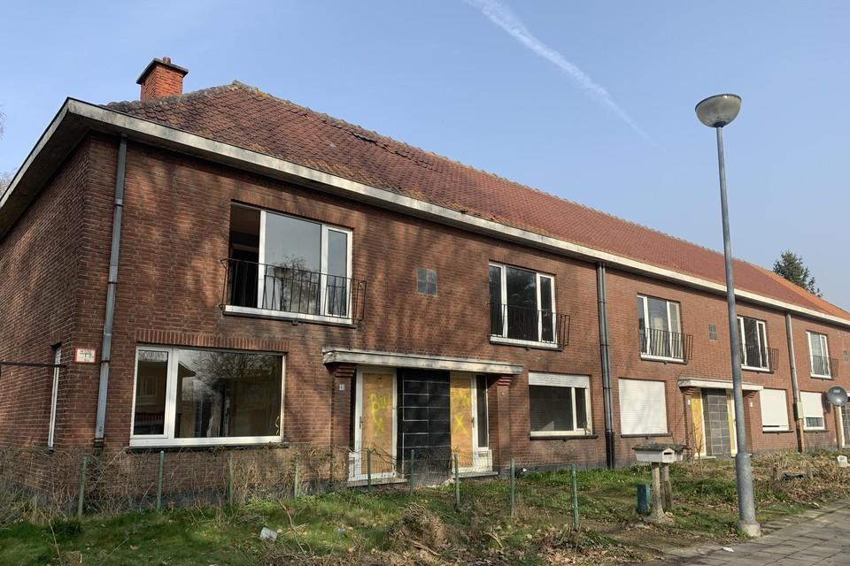 In de Parklaan in Willebroek-Stad staan de sociale woningen al leeg. Ze wachten op de sloophamer, die dit jaar nog langskomt.
