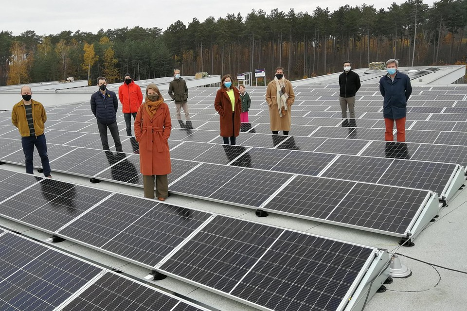 Campina Energie legde op vraag van de stad Herentals het dak van woonzorgcentrum Sint-Anna vol met zonnepanelen.
