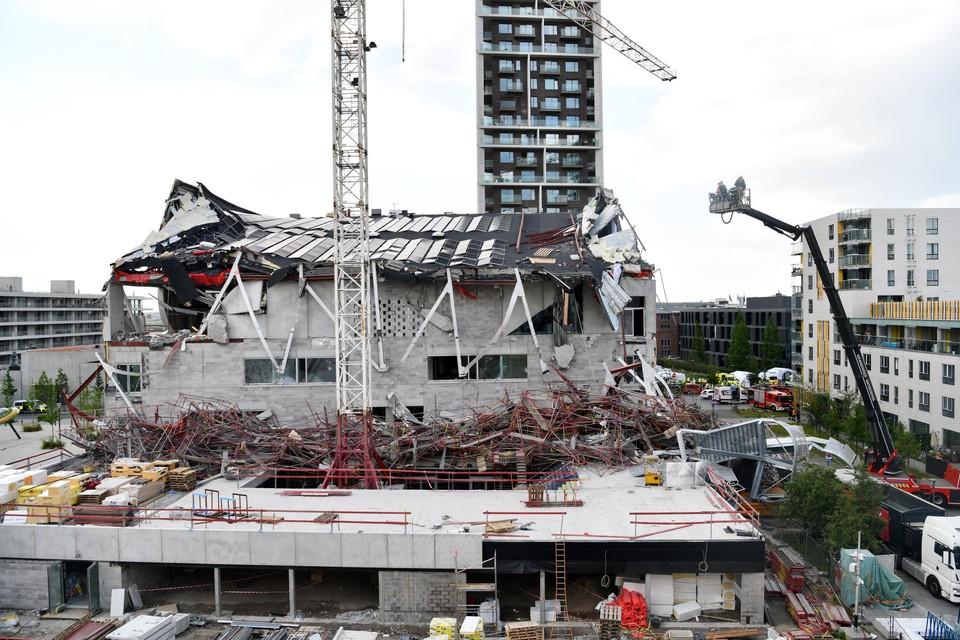Exact een week geleden stortte het schoolgebouw in aanbouw in.