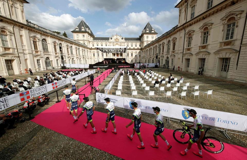 Intermarché - Wanty - Groupe Gobert wandelt naar het podium.