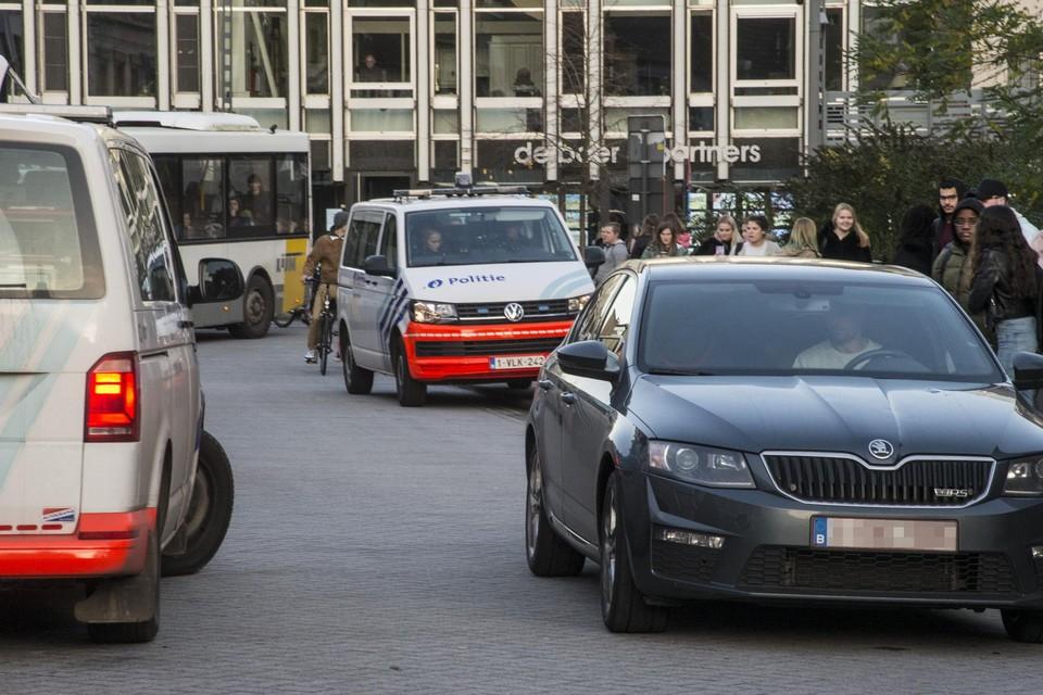 De Turnhoutse politie in actie. Het Vlaams Belang uit kritiek.