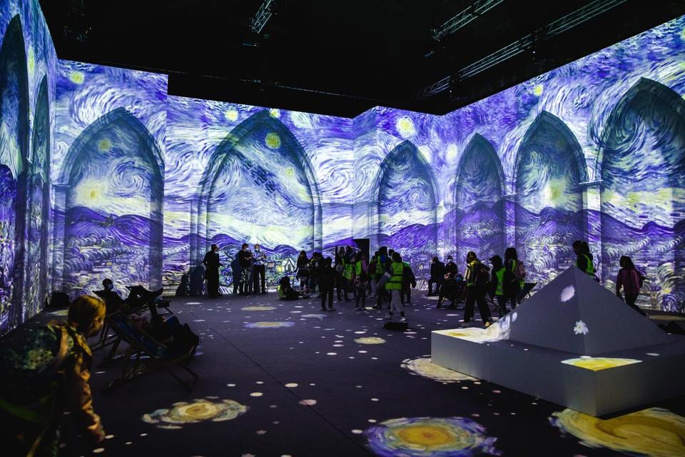 In de expo komt het werk van Van Gogh tot leven met projecties, muziek en virtual reality.