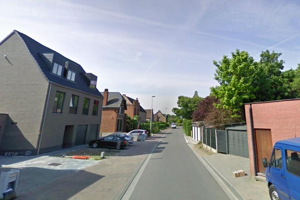 De Bergen. De stoepen zijn er volgens Vlaams Belang breed genoeg voor parkeerplaatsen.