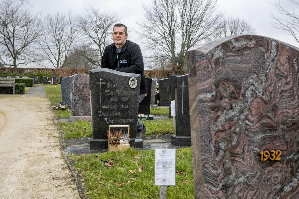 Paul De Roover had het graf van zijn verongelukte broer graag nog wat langer kunnen bezoeken.
