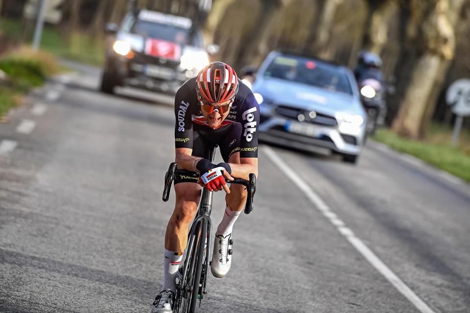 Tim Wellens soleert in de Ster van Bessèges in tijdrithouding naar de zege. Tot ongenoegen van heel wat renners mag dat straks niet meer.