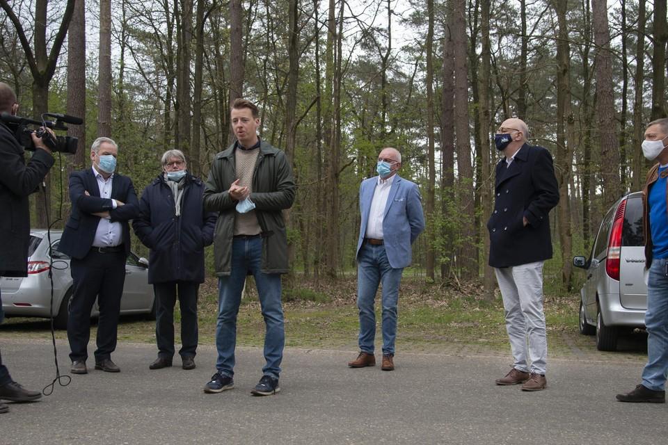 Vooruit gaf donderdag een persconferentie, op de grens van Antwerpen en Limburg, op de parking van natuurgebied Gerhagen in Tessenderlo. Fractieleider Hannes Anaf voert het woord.
