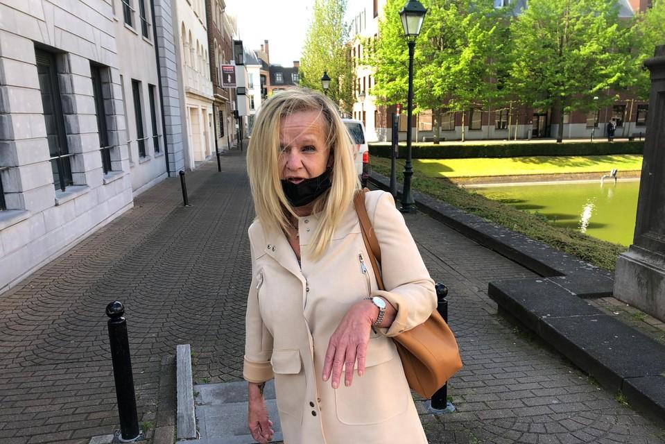 Susy Mans, de nieuwe echtgenote van Danny S., kwam aan de rechtbank in Turnhout persoonlijk haar steun betuigen aan haar man.