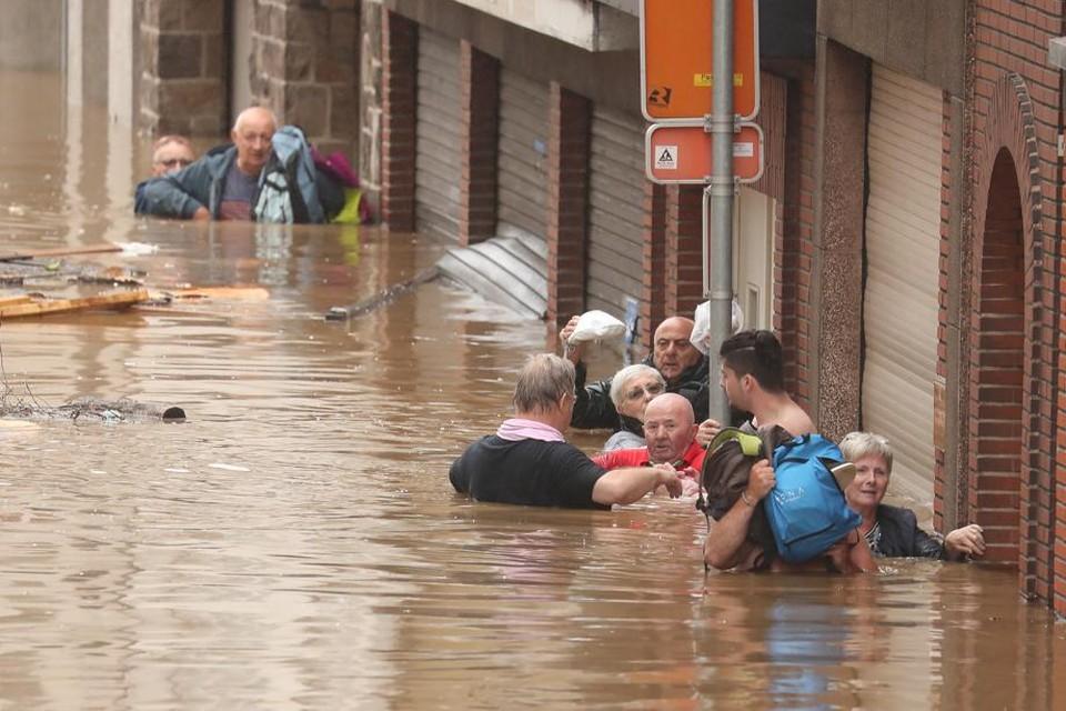 Luik, vorige week. Soortgelijke overstromingen kunnen zich ook in Vlaanderen voordoen, bij één kans op de duizend..
