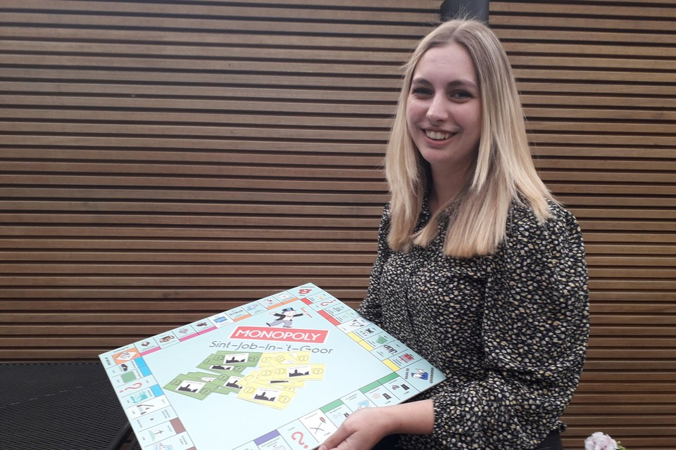 Eline Persoons ontwierp een eigen Sint-Jobse versie van het klassieke bordspel Monopoly en deelt dit nu met iedereen online.