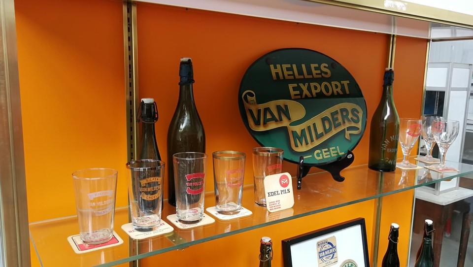 De opstelling schetst het verhaal van de rijke Geelse brouwerijhistorie.