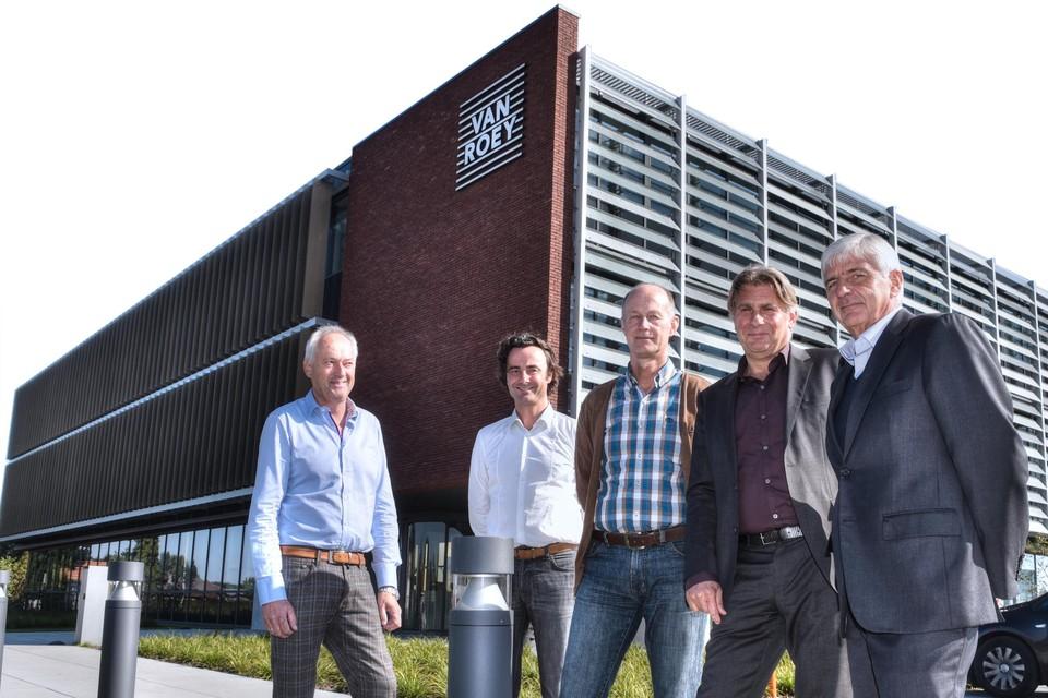 Groep Van Roey is een familiebedrijf dat bestaat uit tien ondernemingen.