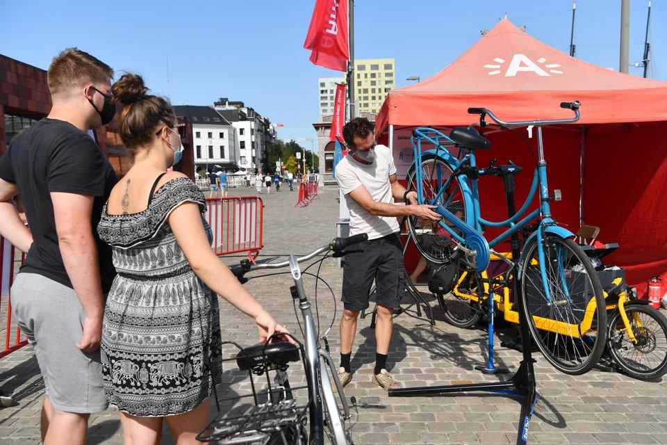 Tijdens Antwerpen Shift maken bezoekers kennis met verschillende vormen van vervoer.