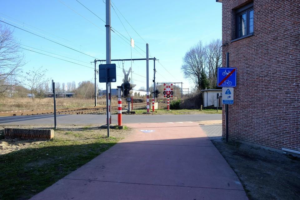 De fietsostrade stopt abrupt aan de Vloeiende in Kapellen.