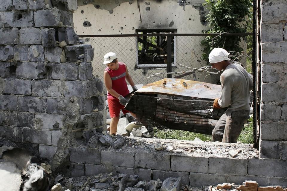 Archiefbeeld van de gevolgen van gevechten tussen het leger en de rebellen in de stad Slavjansk, in de regio Donetsk