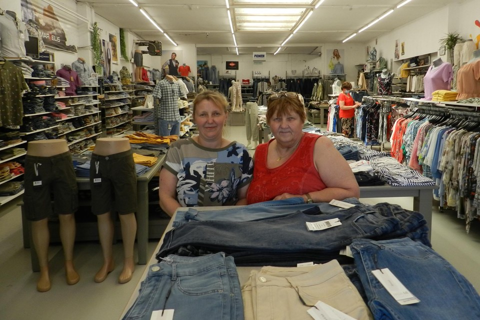 Kristel Gabriëls en haar moeder Heidi zijn gespecialiseerd in jeans.