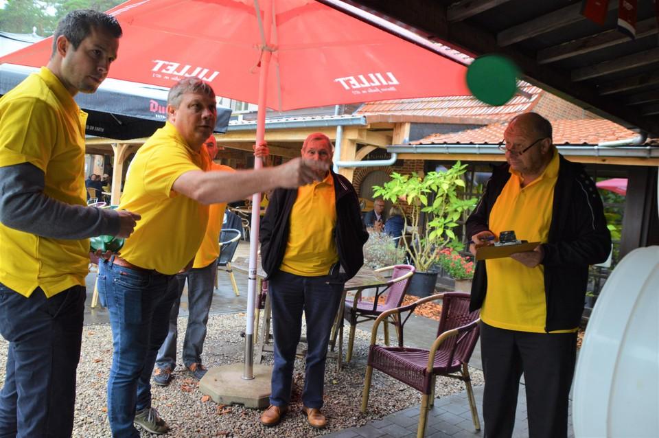 Volksspelen voor Halle kermis.