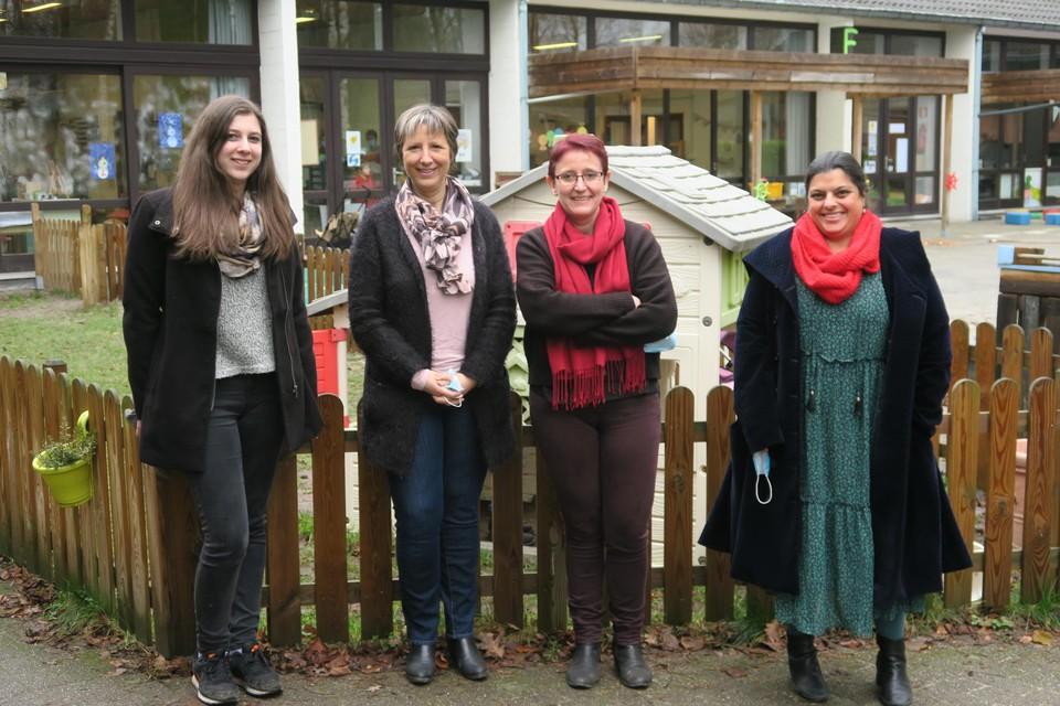 De trekkers van dit proefproject inclusieve kinderopvang: Nathalie Keuppens (Ferm), Dennenhof-directeur Goede Van Hove, schepen Kathleen Krekels en Tulsi Celie (Ferm).
