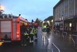 thumbnail: Het klimteam van de Mechelse brandweer kwam eraan te pas om de vrouw te evacueren. Ze werd overgebracht naar het AZ Sint-Maarten.