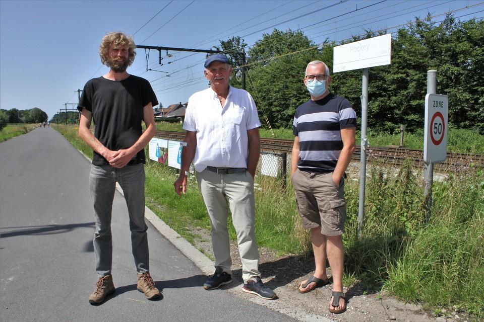 Stijn De Roeck, Paul Mariën en Frank Souffriau staan op de Hockeyweg. Doorgaand verkeer is daar vanaf september verboden.