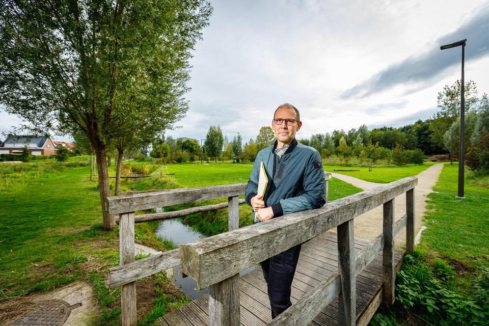 Met de hulp van buurtbewoners verzamelde Marc Van Leemput ruim 750 handtekeningen tegen de ontwikkeling van Kantvelde.
