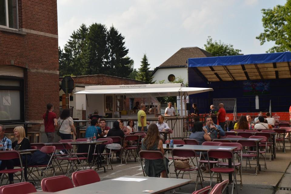 Het terras van café Sportlokaal.