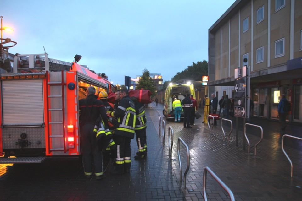 Het klimteam van de Mechelse brandweer kwam eraan te pas om de vrouw te evacueren. Ze werd overgebracht naar het AZ Sint-Maarten.