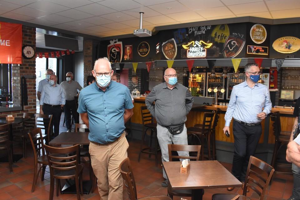 Burgemeester Wim Caeyers (rechts) kreeg een rondleiding in het vernieuwde Miloheem.