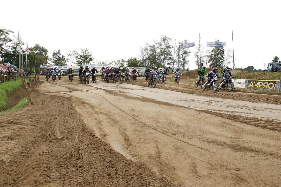 Motorclub MC Lille verwelkomde voor de eerste keer elektrische motoren op het crossterrein Breugelheide.