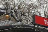thumbnail: Laurel en Hardy aan Leicester Square.