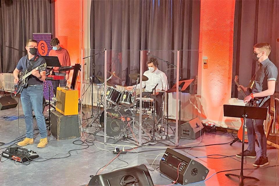 Live spelen op een podium: het was deze muzikanten van de popjazz-afdeling van de academie wél gegeven.