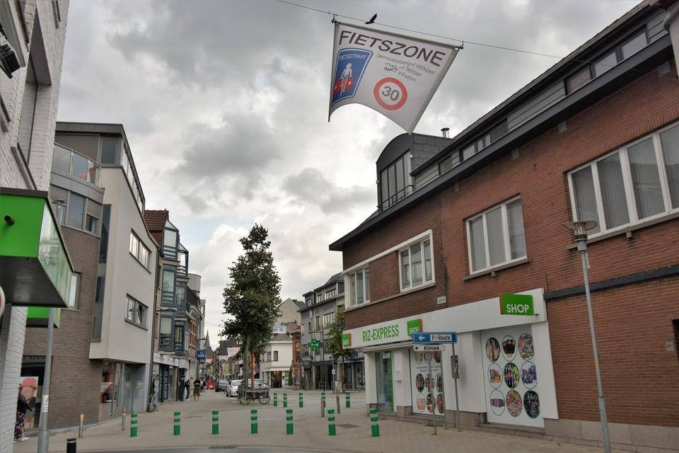 De 'harde' knip in de Boomstraat werd eerst een zachte knip en verdwijnt nu helemaal. Het centrum werd blijft wel een fietszone.