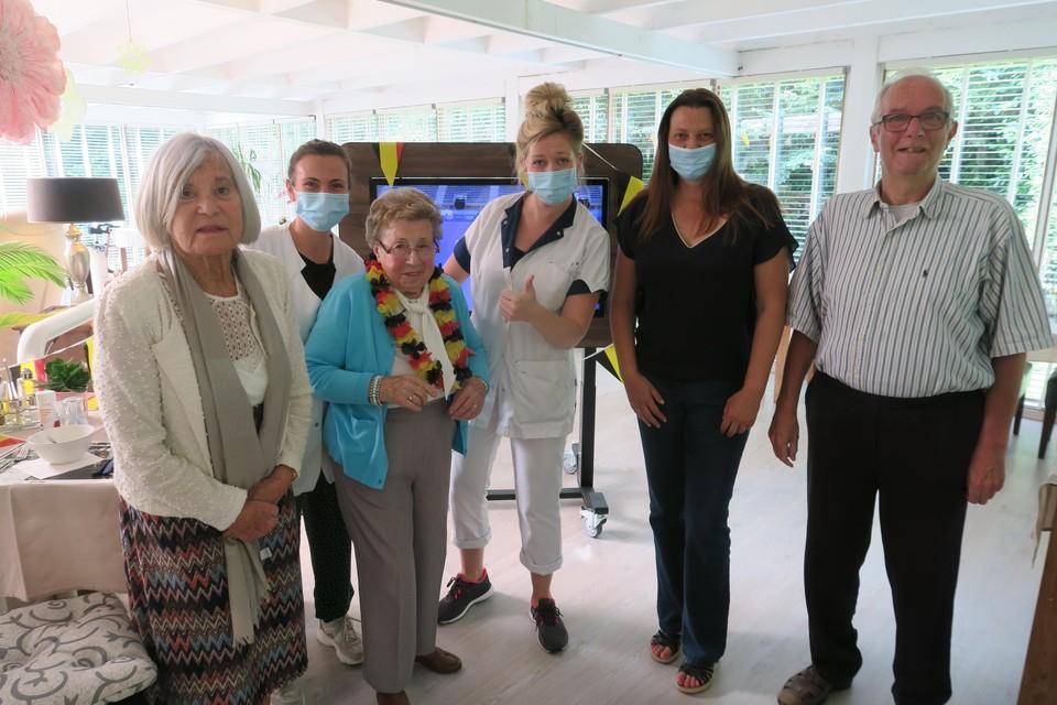 Opwarmen voor de finale met onder meer hoofdverpleegkundige Ann Lauryssen en mederesidenten Guy Collin en Hilde Denolf.