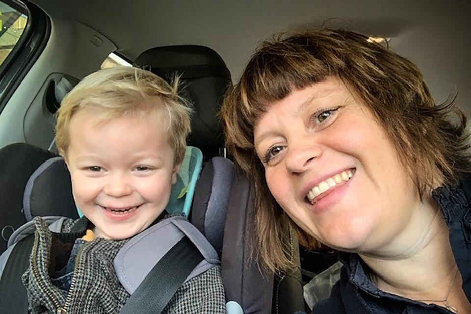 Gwen De Pooter met haar zoontje Marcel.