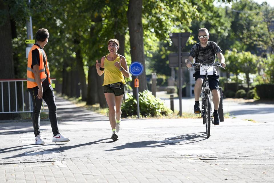 De teams die deelnemen aan Run To Walk Again in Geel zamelen geld in voor de vzw To Walk Again.
