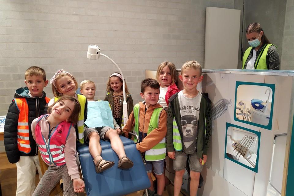 Leerlingen van De Stapsteen uit Mol-Sluis bezochten recent de tentoonstelling.