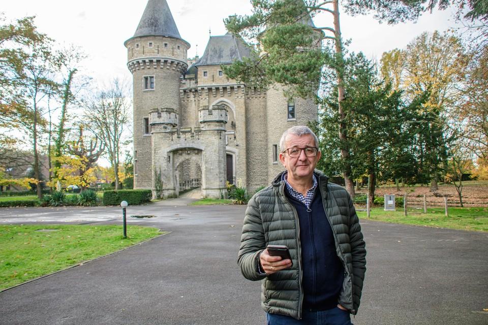 Maker van de website Wim Slaets aan het Zellaerkasteel.