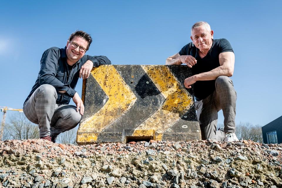 Donaat Deriemaeker en Peter Van Asbroeck: ooit vage kennissen, nu collega's     in het virtuele theater.