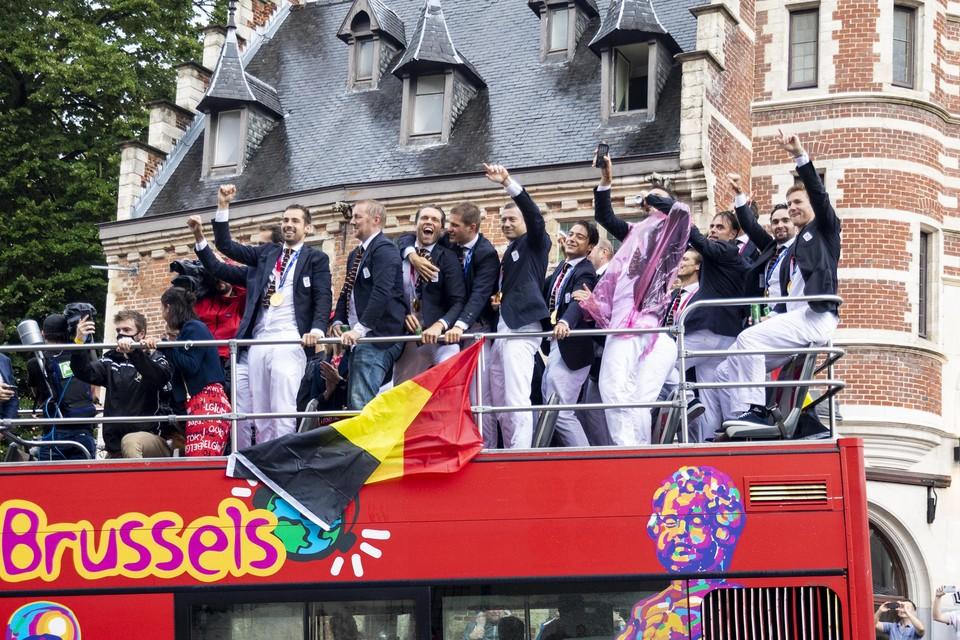 De Red Lions:  tijdens hun eretocht door Brussel.