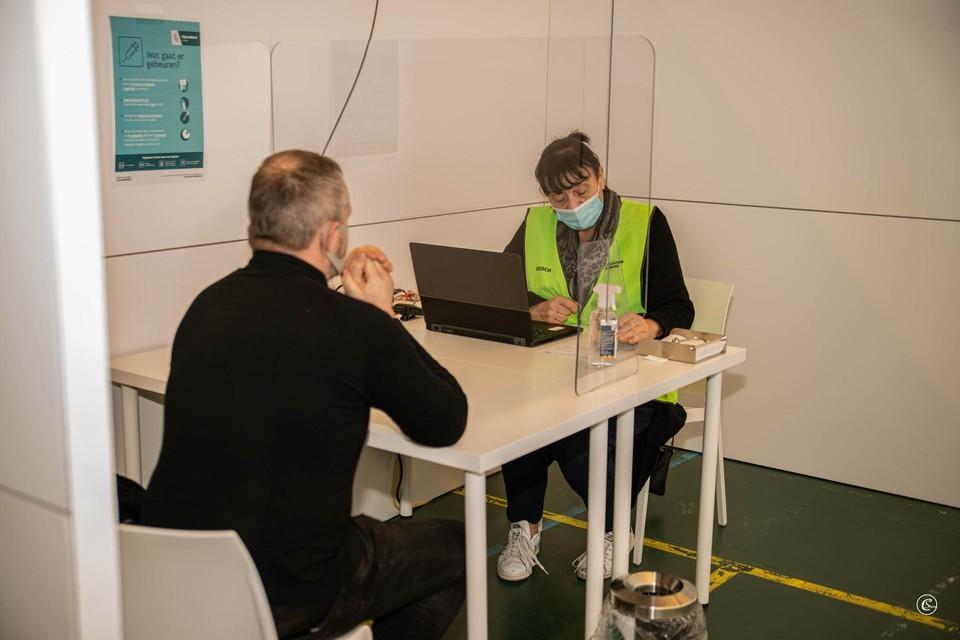 160 zorgverleners kregen zaterdag hun coronavaccin in Malle.
